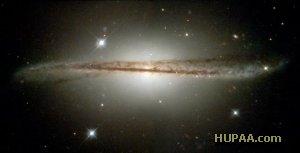 کهکشان تابدار در قاب هابل